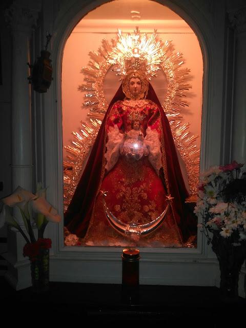 Imagen de la Virgen de l Rocío en Villamanrique.
