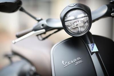 Vespa 946 Emporio Armani front Headlight