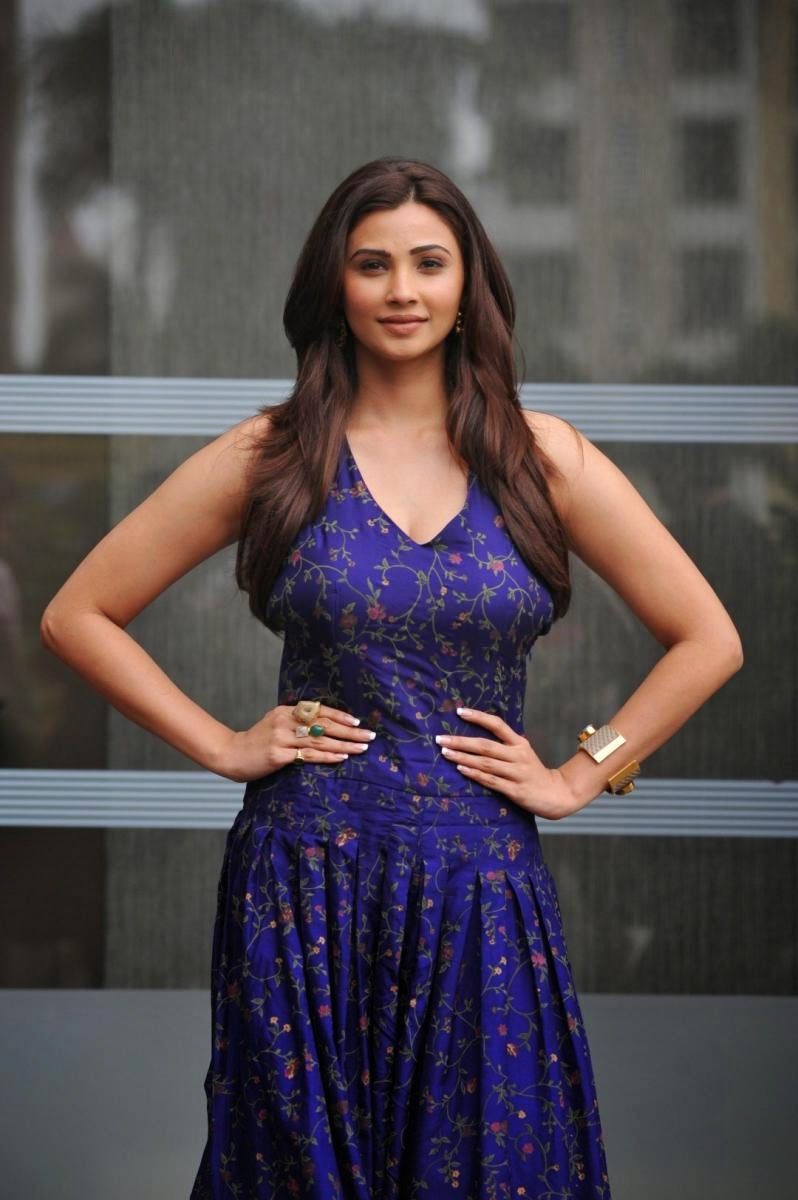Daisy Shah Showcasing Her Amazing Figure In Blue Dress At -5313