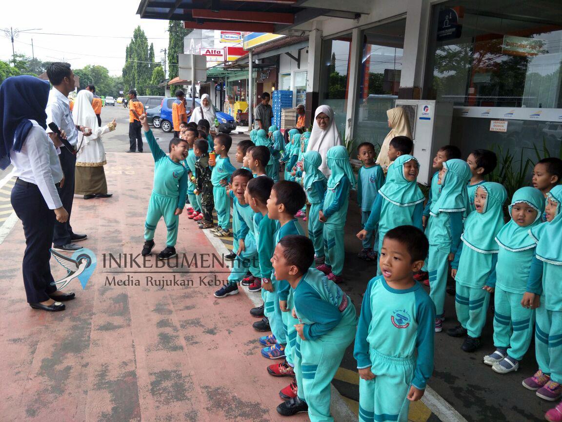 Ratusan TK Al Irsyad Purwokerto Belajar di Stasiun
