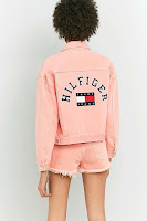 https://www.urbanoutfitters.com/en-gb/shop/tommy-jeans-90s-girlfriend-trucker-pink-denim-jacket?category=womens-sale&color=066