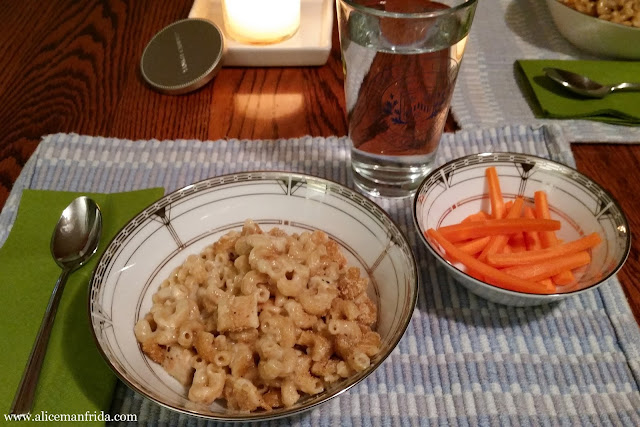dinner, supper, baked mac and cheese, macaroni and cheese, chicken, casserole, carrots, water, comfort food, tasty tuesday, what I ate, food diary