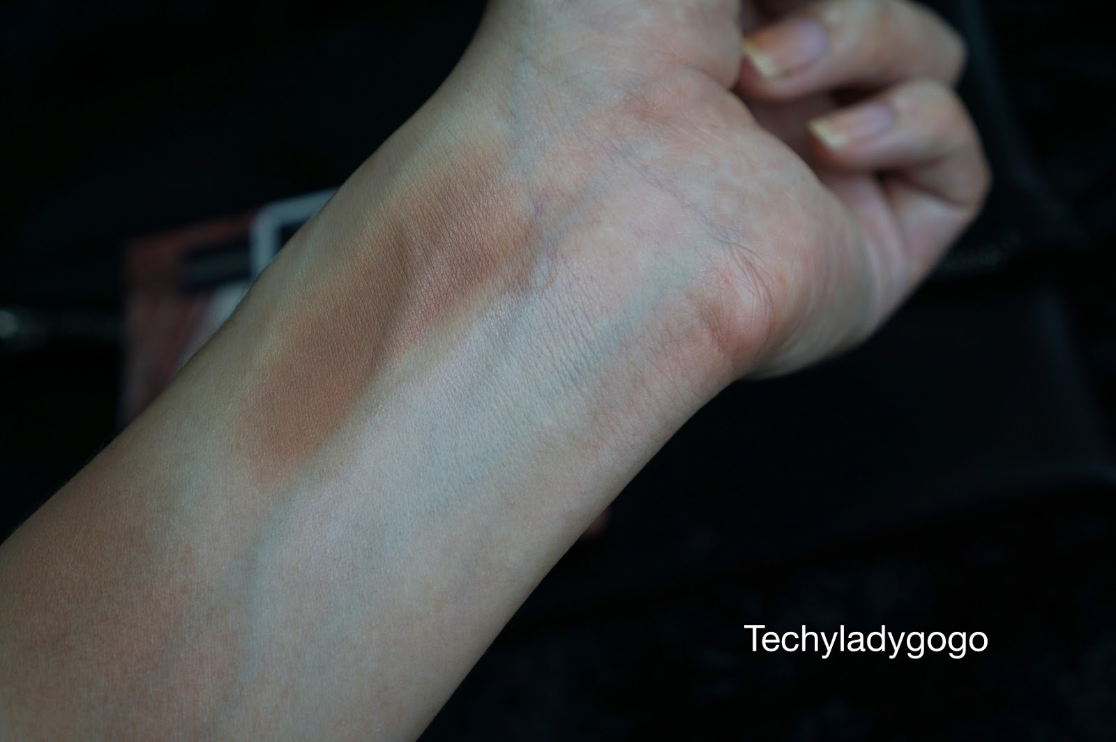 wet n wild megaglo dual-ended contour stick swatch