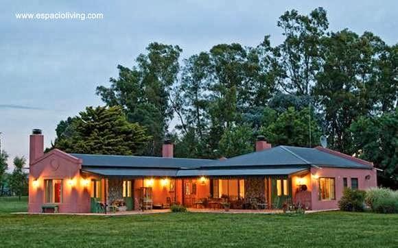 Casa familiar al estilo Campo argentino