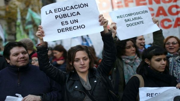 Docentes argentinos sin acuerdo a días del inicio escolar