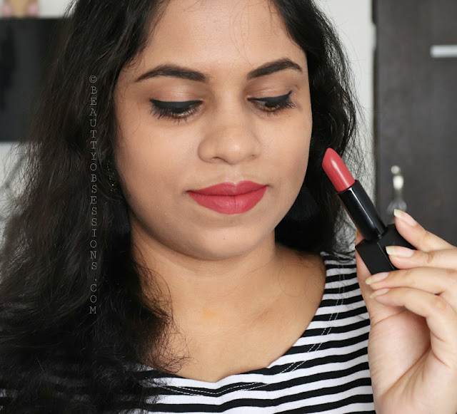 Nykaa Ultra Matte Lipsticks Diana and Marilyn - Review and Swatches
