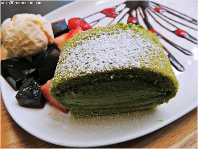 Ogawa Coffe: Matcha Cake Roll