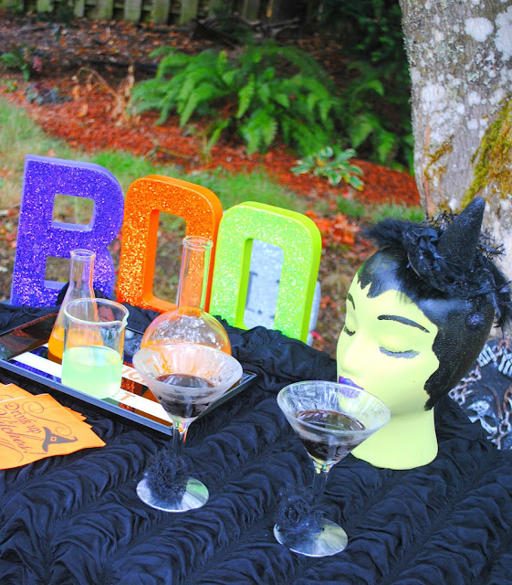 Halloween-cocktail-party-inspiration
