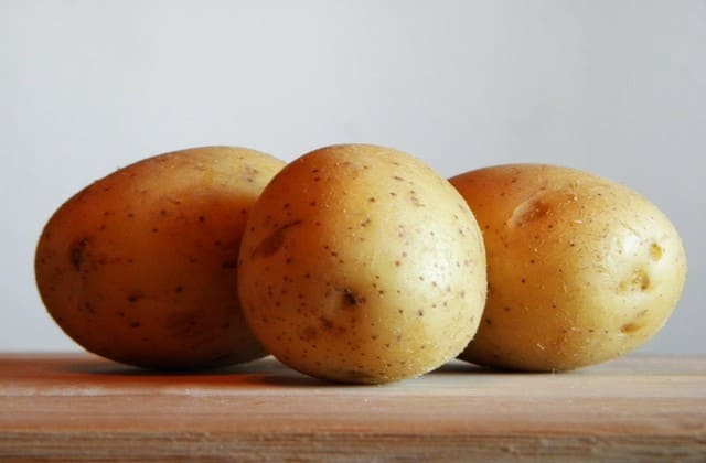 cara menghilangkan bekas jerawat dengan kentang