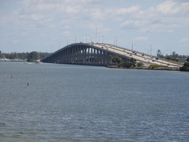 Uno de los puentes de Miami
