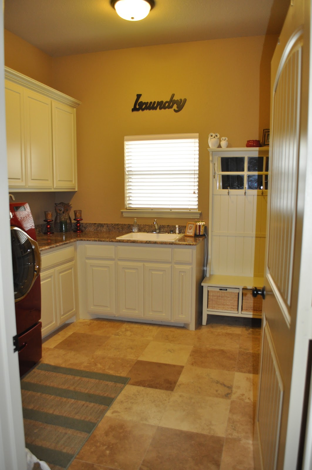 Southern Fried Family: Tour My Laundry room