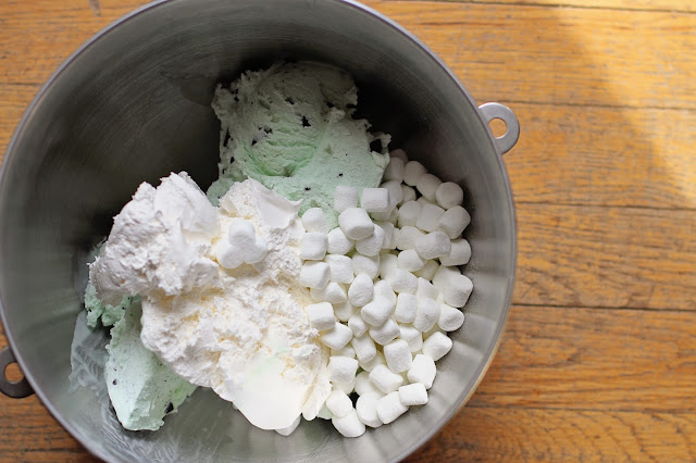 how to add marshmallow to ice cream