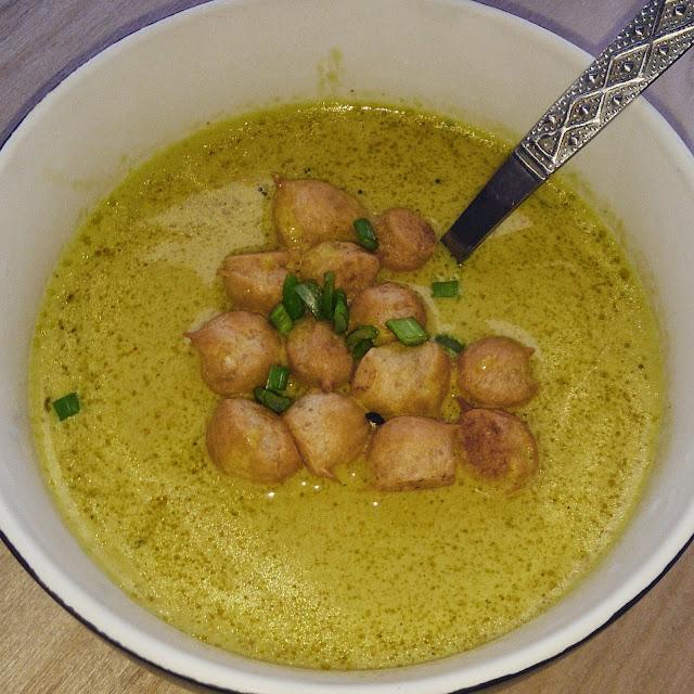 Zupa kokosowa z curry