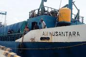 KM.Adi Nusantara Terhalang Cuaca Buruk, Puluhan Penumpang Mulai Kehabisan Biaya Makan