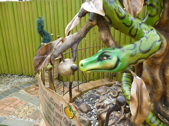 snake and apple garden of eden
