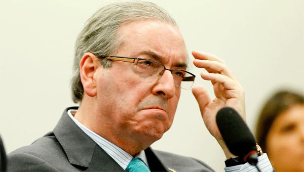 Eduardo Cunha abandona política e vai virar carpideira