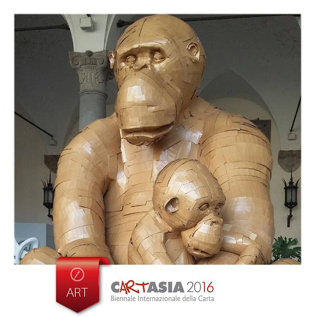 Mother - scimmione di carta a Lucca