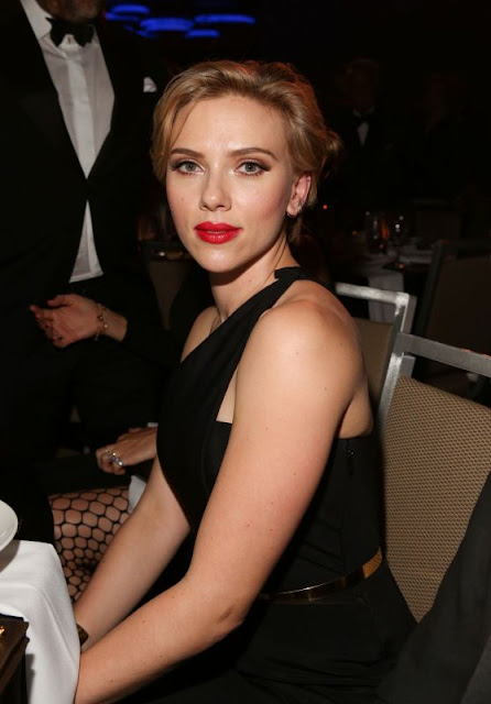 Scarlett Johansson – Friars Club Honors Tony Bennett With The Entertainment Icon Award