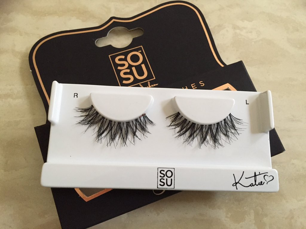 5344cba2512 The quality of the lashes is absolutely incredible. One thing I love about  them is how you can reuse them so many times. Generally I would only use  lashes ...