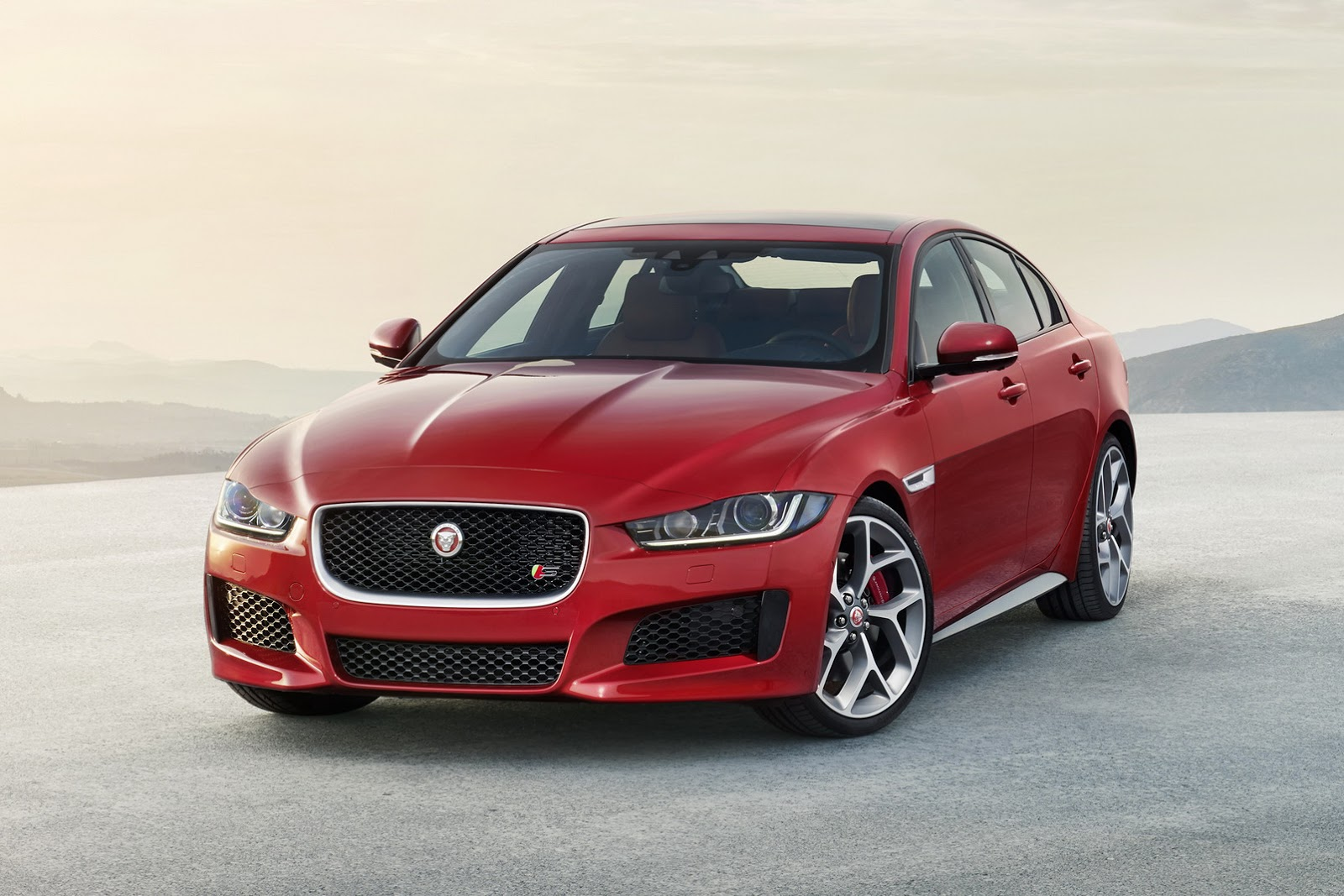 new 2016 jaguar xe sports saloon 52 hd photos and full details updated carscoops. Black Bedroom Furniture Sets. Home Design Ideas