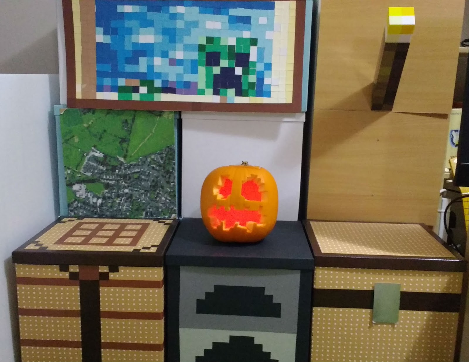 minecraft jack o lantern pumpkin with pixel art