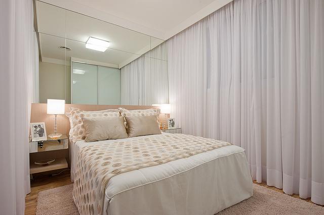 Como decorar quarto branco de casal Decore com glamour ~ Quarto Planejado Branco