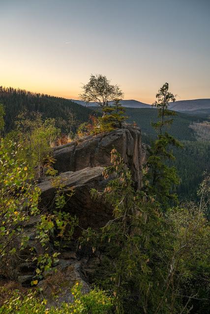 Sonnenaufgang an der Rabenklippe  Luchsgehege und Eckerstausee  Wandern in Bad Harzburg 07