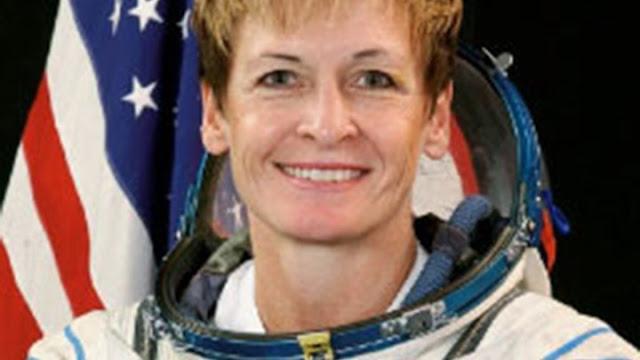 Βγήκε στη σύνταξη η μεγαλύτερη σε ηλικία γυναίκα αστροναύτης - Έχει κάνει δέκα διαστημικούς περιπάτους