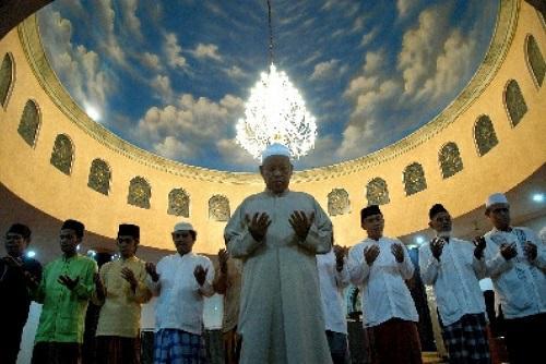 Bacaan Doa Qunut Tarawih Setelah Witir Pada Pertengahan Ramadhan