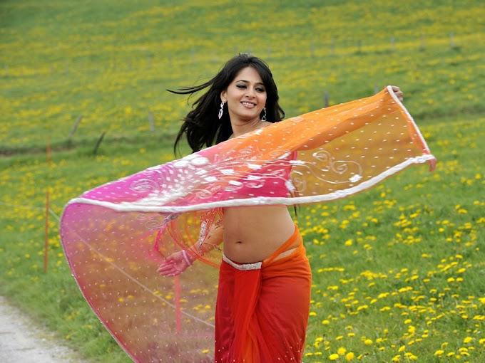 Actress Anushka Shetty Saree below Navel Show Photos #Anushka