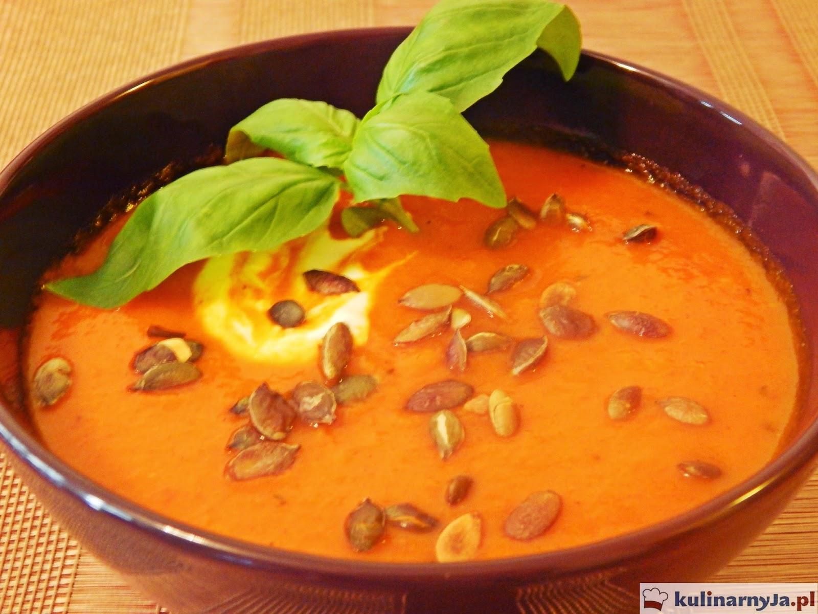 Zupa krem z pieczonej papryki z pestkami dyni