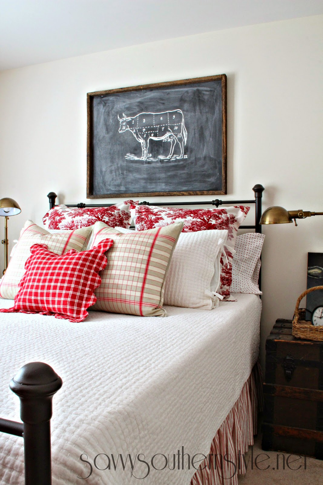 Southern Farmhouse Bedroom Ideas: Savvy Southern Style : Mid Summer Farmhouse Style Guestroom