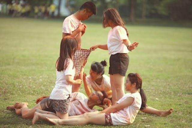 sinh viên chụp ảnh kỷ yếu kỷ phản cảm