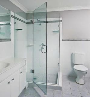 Jual Kaca Shower Penyekat Kamar Mandi Minimalis Gresik