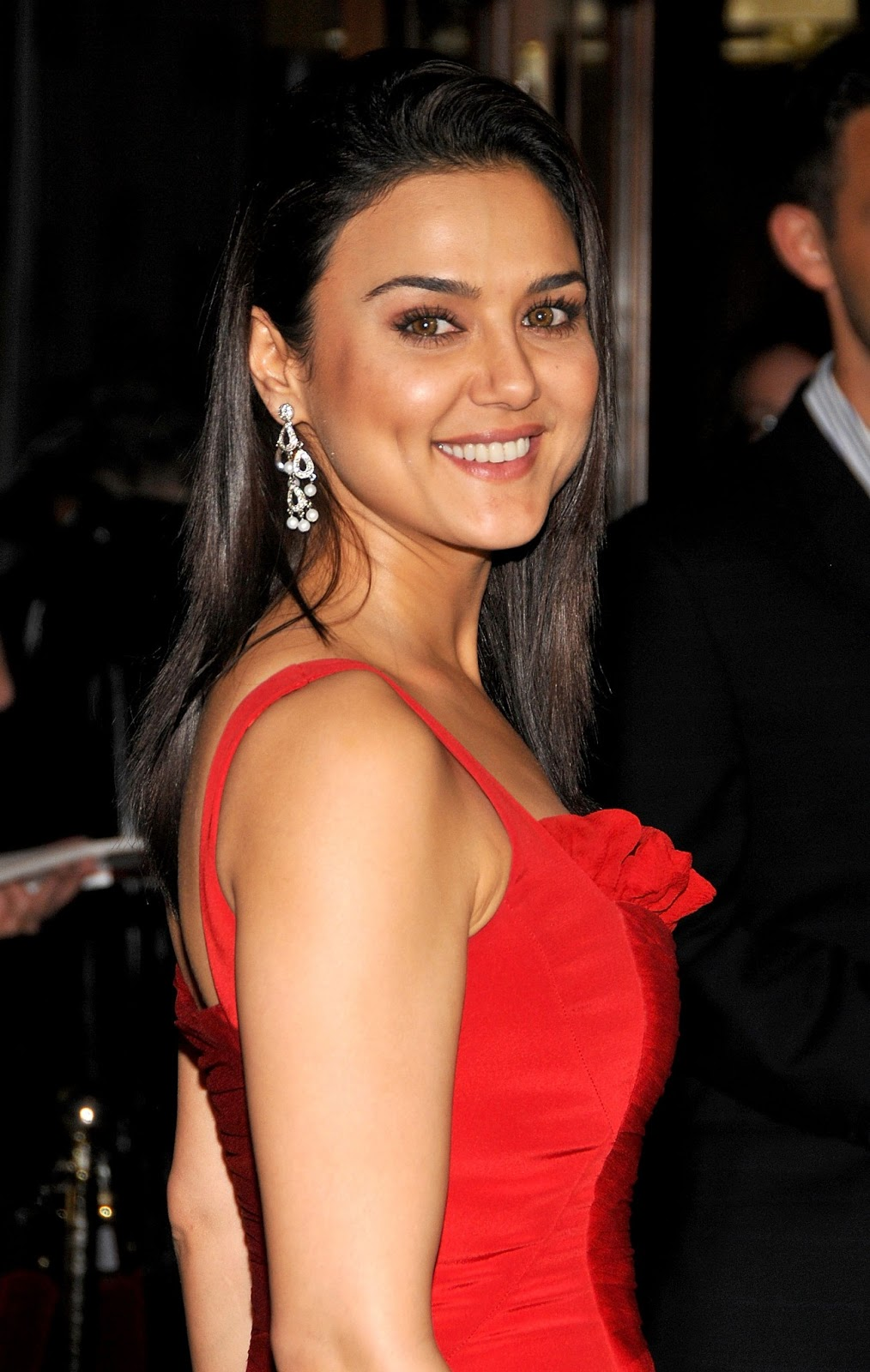 Preity Zinta Hot Photo Shoot Free Download 2013 -3880