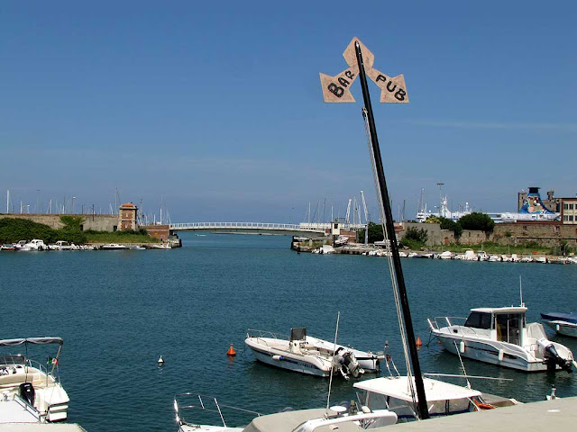Pub, bar, New Harbor, swing bridge, scali Novi Lena, Livorno