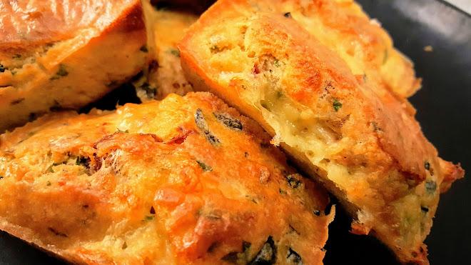 Cake aux olives et parmesan