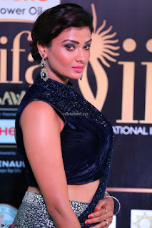 Ishita Vyas in Velvet Sleeveless Choli Designer Saree at IIFA Utsavam Awards 2017  Day 2  HD Exclusive 04.JPG