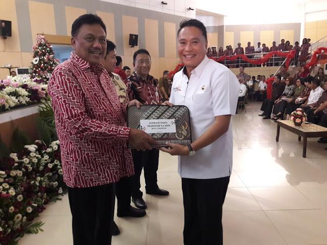Walikota Tomohon Terima Langsung DIPA Dari Gubernur