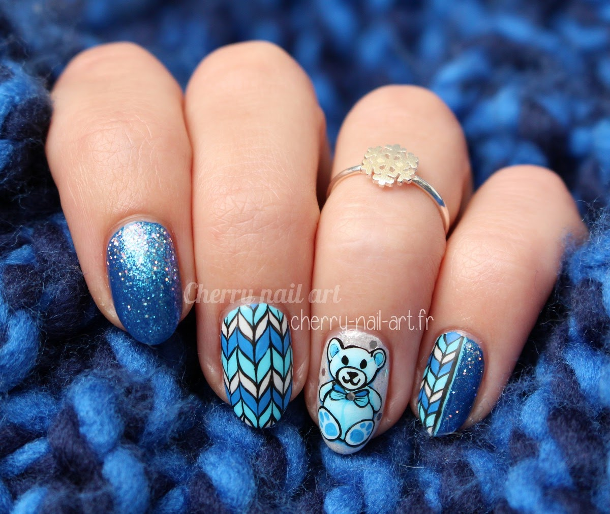 nail-art-noël-hiver-nounours-tricot-nouvel-an-fëtes-paillettes