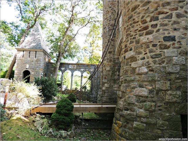 Entrada Principal del Castillo Medieval Hammond, Gloucester