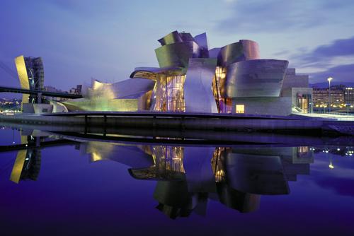 arquitectura-del-siglo-xx-20-le-corbusier-mies-som-gaudi-philip-johnson-wright-gehry-calatrava-pei-foster-nouvel-herzog