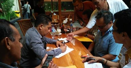 Pasangan Emzalmi-Desri Ambil Formulir Pendaftaran di Partai Hanura