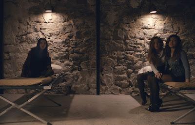 Jessica Sula, Haley Lu Richardson and Anya Taylor-Joy in Split (10)