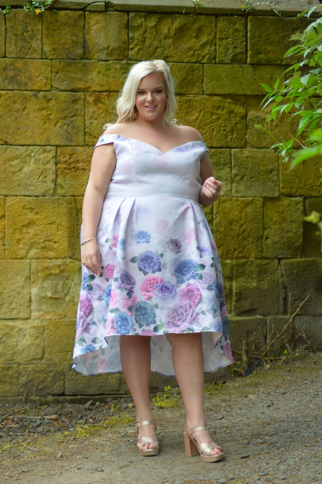 UK Plus Size Blogger WhatLauraLoves wearing Chi Chi London Curve Clothing Janine Dress