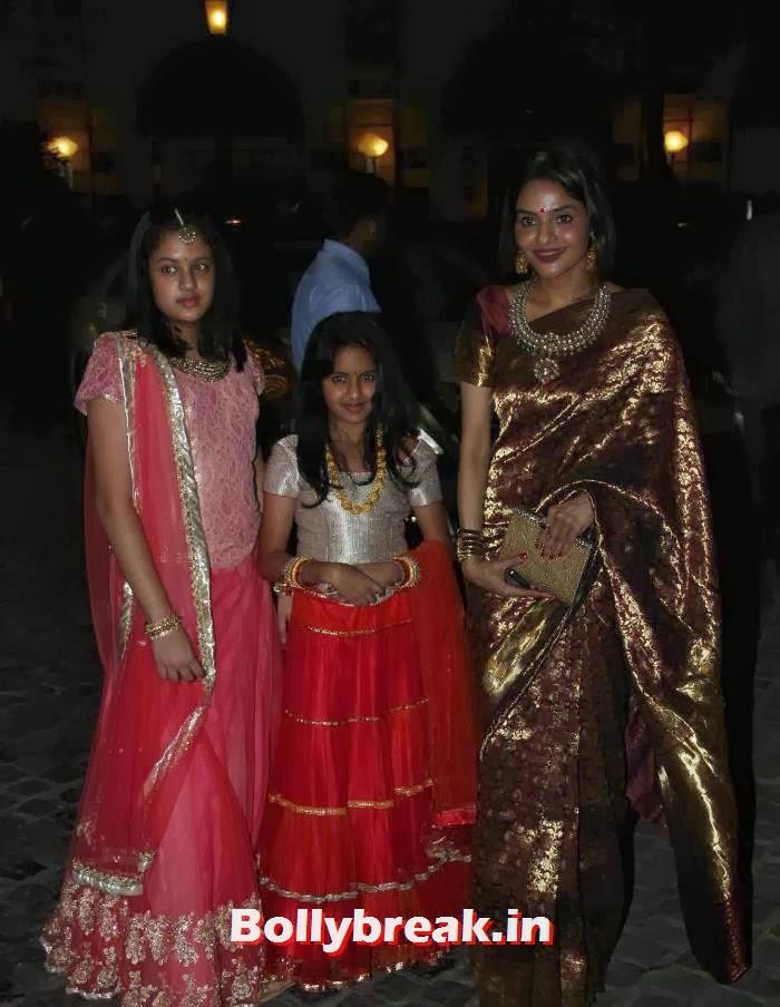 Ameya, Keia, Madhubala, Ahana Deol Wedding & Reception Pics