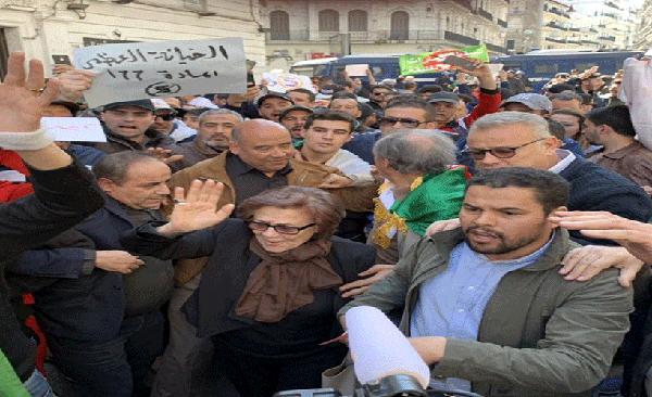 """أيقونة الثورة الجزائرية : """"تدخل ماكرون   اعتداء على سيادة  الشعب الجزائري"""""""
