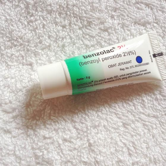 FACE CARE :: BENZOLAC 2,5% Obat Jerawat Ampuh [REVIEW]