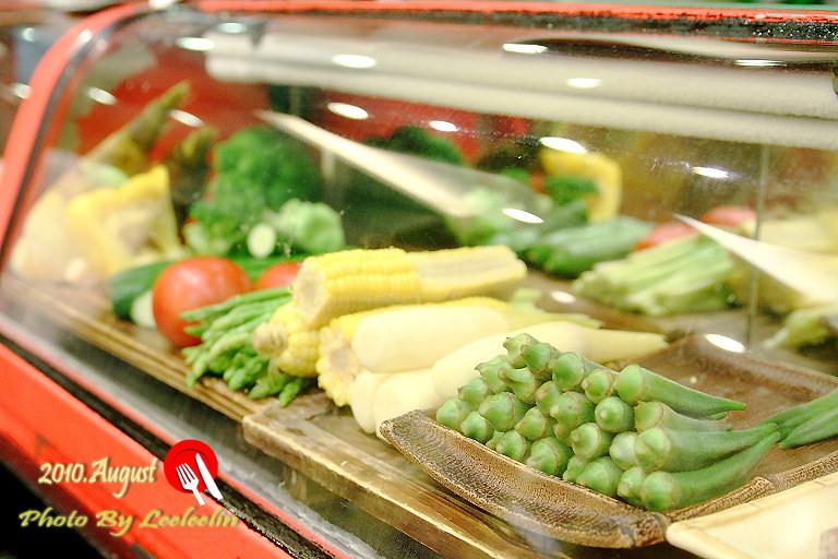 桃山日本料理環境|台南美食餐廳 ~有著孫芸芸外貌的美少女師傅