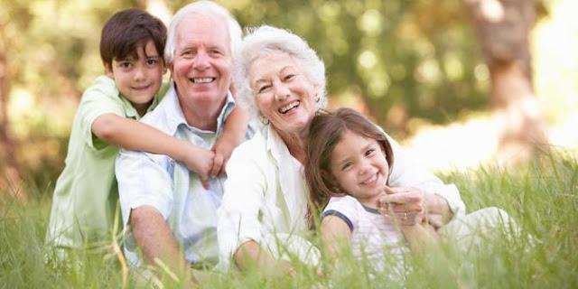 ORANG TUA : Titip Anak Pada Kakek Nenek Ada Aturanya Lho.